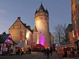 Beim Winter-Spektakulum wird die Burg Altena in festliches Licht getaucht. Foto: Michelle Wolzenburg/Märkischer Kreis
